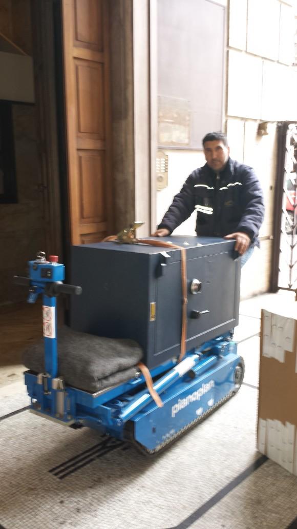 Ditta trasporti casseforti roma traslochi roma - Montaggio mobili ikea roma ...